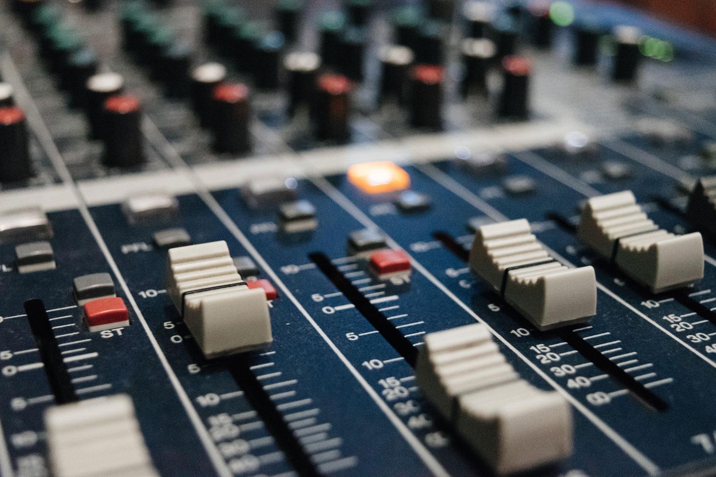 Audio Quality photo by Alex Ruban